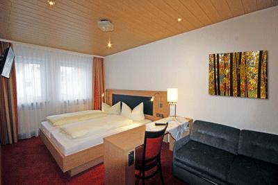 hotelzimmer-mit-bild